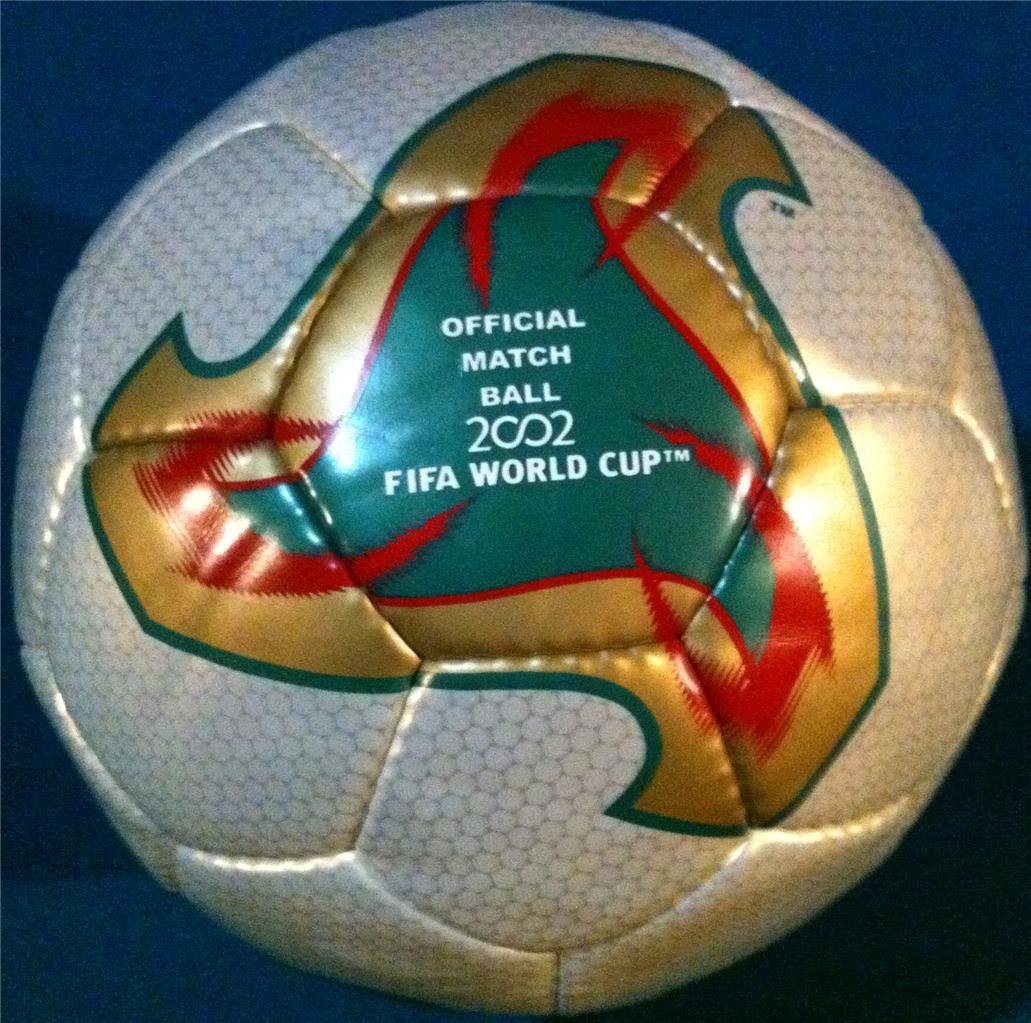 longitud reaccionar pedir disculpas  mundial 2002 | futbol y graffiti